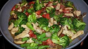 Clean chicken & Broccoli stir fry